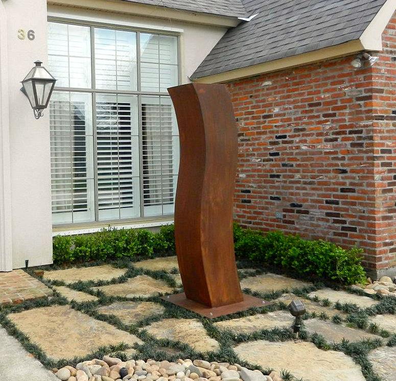Curvas modern sculpture courtyard